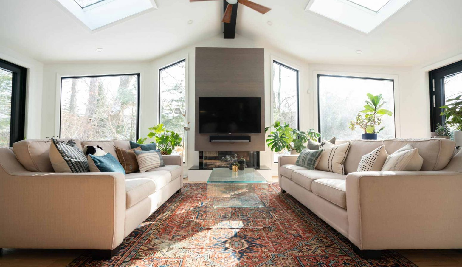 What is the Difference Between Double Hung and Casement Windows?